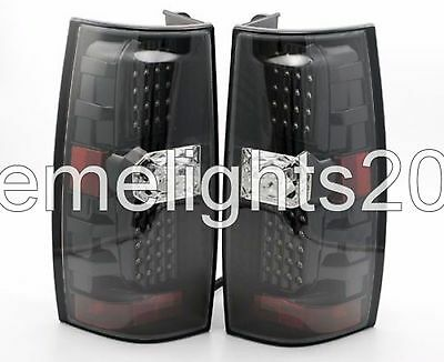 NEWMAR MOUNTAIN AIRE 2015 BLACK UPPER TAILLIGHTS REAR LAMPS TAIL LIGHTS RV PAIR