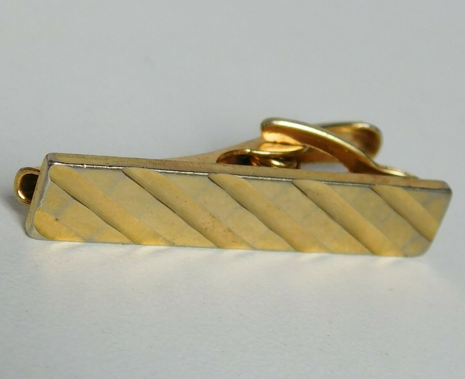 Short tie clip clasp classic mens goldtone jewellery 1.5 inch long