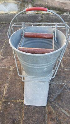 Secchio di lamiera Action Bucket per stracci lava pavimenti mocio anni 60