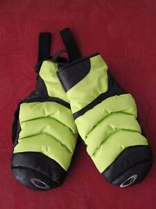 Oakley The 72 Snow Mitts - Large - Ski Snowboard Heathcote Sutherland Area Preview