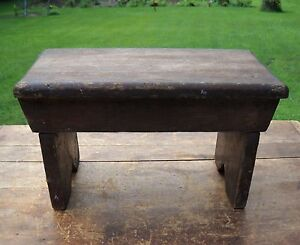 primitive farmhouse small old wood foot stool crock bench table riser