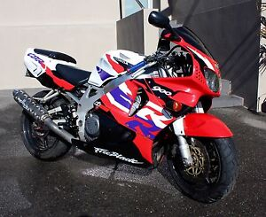 1998 HONDA CBR900RR. LOW KLMS. GREAT CONDITION. Seacliff Park Marion Area Preview