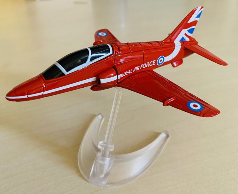 RAF+RED+ARROWS+HAWK+BNIB+CORGI+OFFICIAL+LICENSED+MODEL+DIECAST+AIRCRAFT+U.K.