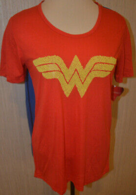 Wonder Woman T Shirt Cape (Women's Wonder Woman Red Short Sleeve T-Shirt & 2 Interchangeable Capes M, L,)
