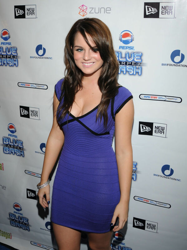 Jojo Levesque Posing Purple Dress 8x10 Photo Print