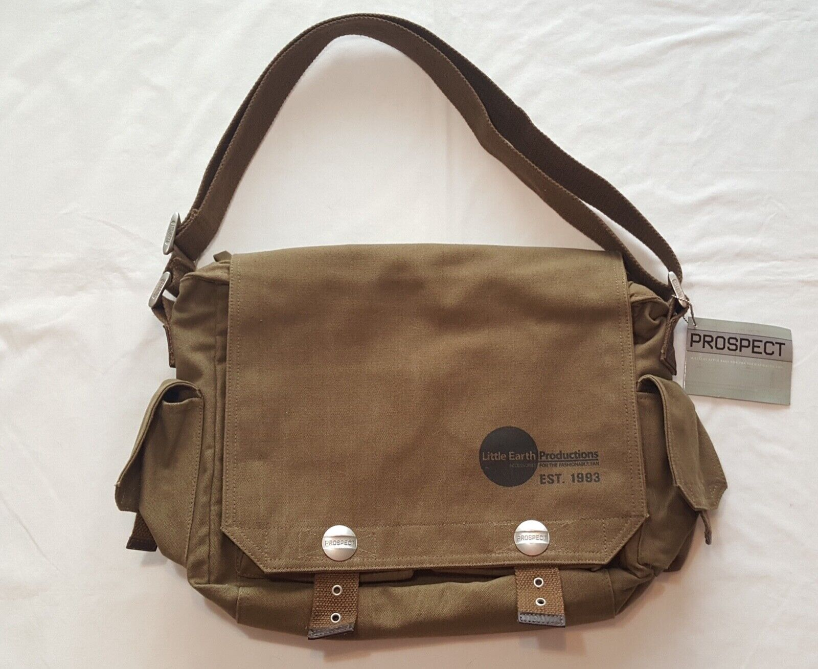 little-earth-prospect-messenger-bag-computer-bag