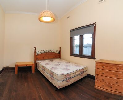 Furnished. Wembley. Ideal for UWA student, CBD worker. Avail now. Wembley Cambridge Area Preview