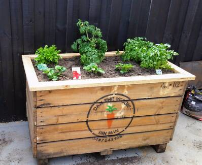 Raised Garden Beds/Vegetable Bins/Apple creates