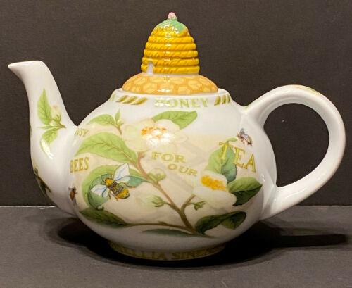 Cardew Designs Busy Bee Tea + Honey Teapot 18 oz