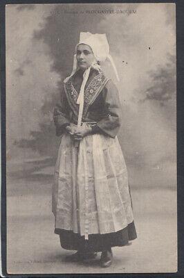 France Postcard - Costumes - Femme De Plougastel-Daoulas    RS15023