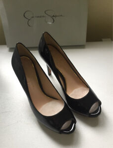 Brand new Jessica Simpson dress shoes - size 8