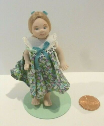 DOLLHOUSE MINIATURE PORCELAIN LITTLE GIRL DOLL BAREFOOT