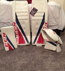 CCM EFLEX 3 goalie pads and gloves
