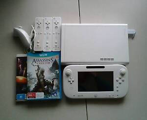 Nintendo Wii U + Remotes - 8GB White Basic Pack - Pickup Only Albany Albany Area Preview