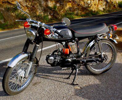 Honda SS50 Cafe Racer