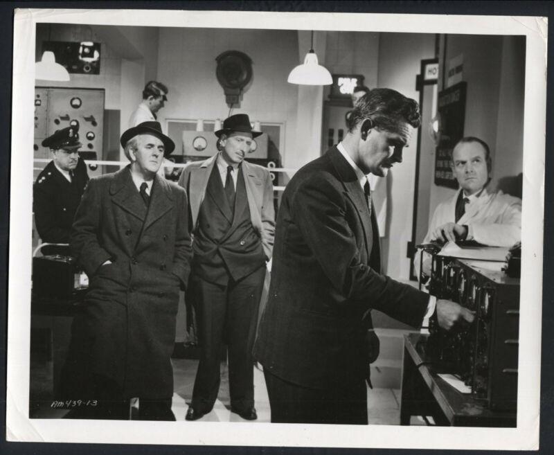 The Atomic Man '56 JOSEPH TOMELTY LEONARD WILLIAMS DONALD GRAY