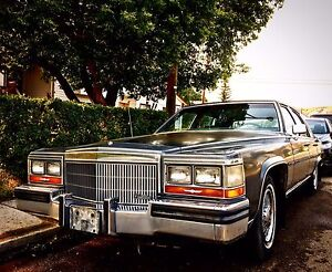 1989 Cadillac Brougham low Kms