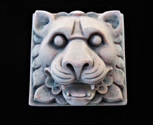 LION   LEO  ARTS AND CRAFTS    GOTHIC  ELLISON TILE