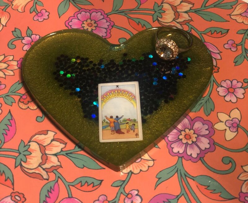 Counter Display Heart Shape Tarot Card
