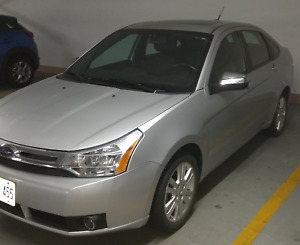 2010 36k kms Ford Focus SEL Immaculate Certified