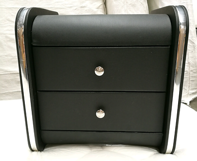 Brand new leather bedside table 47.5*47.5cm Color:black/white  Ou