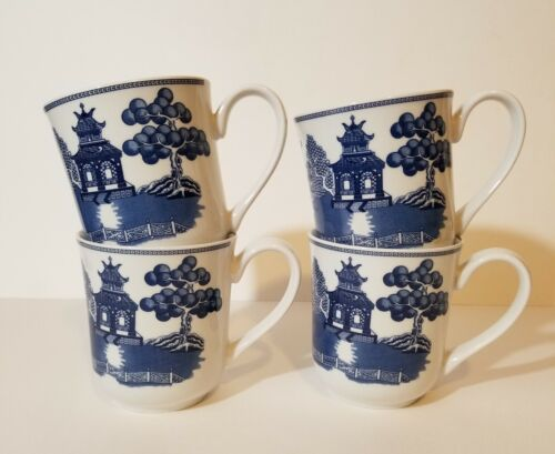 Set of 4 Border Mugs - Blue Willow by Johnson Brothers