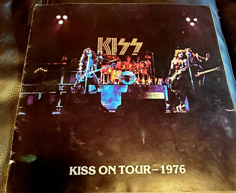 KISS ON TOUR 1976 PROGRAM BOOK AUCOIN MAGAZINE