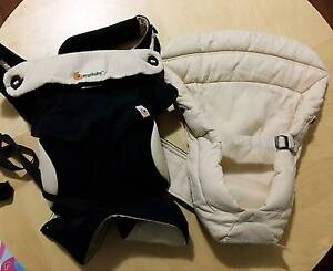 Ergo Baby 360 carrier with infant insert Crawley Nedlands Area Preview