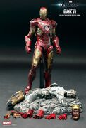 Hot Toys Iron Man Mark VII Battle Damaged