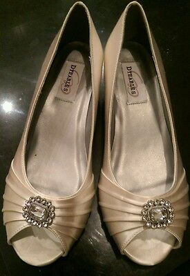 New Satin Dyeable wedding shoes size 6