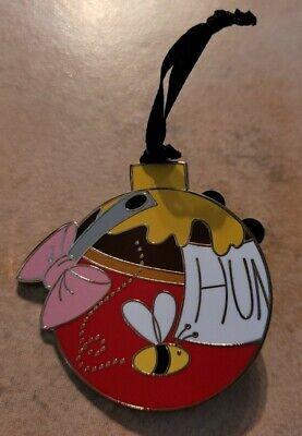 Disney Winnie The Pooh Eeyore 2020 Christmas Advent Calendar LR Ornament Pin
