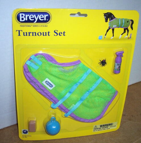 BREYER HORSE TRADITIONAL TURN OUT SET #2064 ( NEW IN PACKAGE)