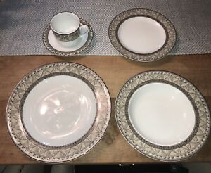 Mikasa Fine China Serving of 16