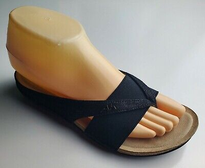 Anne Klein Sport Lizard Print Black and Tan Thong Women's Sandals Size 6
