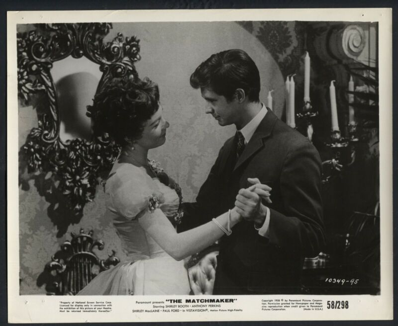 SHIRLEY MACLAINE ANTHONY PERKINS in The Matchmaker