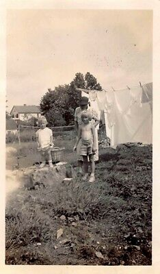WAITING FOR CLOTHES ON LAUNDRY DAY - WASH HANGIN ON LINE WOMAN KIDS VTG PHOTO - Online Kids Apparel