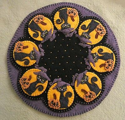 ~*PATTERN*~SpOOkY HaLLoWeEn~Penny Rug/Candle Mat~Black Cats & Pumpkins PATTERN](Pumpkin Pattern)