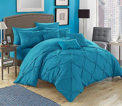 Luxurious 10 Piece Pinch Pleated, ruffled and pleated complete Bed In a Bag Set. Luxury 10 Piece Bed