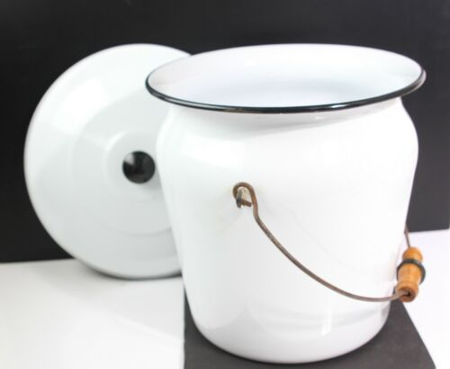 """VINTAGE 12""""  LARGE WHITE ENAMEL CHAMBER POT WITH LID AND WOOD HANDLE"""
