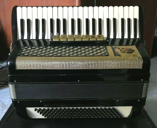 SCANDALLI  3/5 LMH Accordion -  TESTED - SEE VIDEO