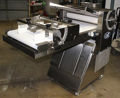 Lvo Dough Sheeter Moulder Model Sm24 Mint Must See