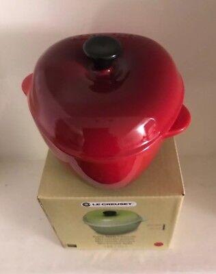 Le Creuset Stoneware Petite Apple Casserole -Cerise( BNIB) Le Creuset Apple
