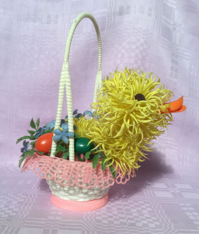 KITSCHY! Vintage Reliance Trading Corp. Plastic Easter DUCK IN BASKET Decoration