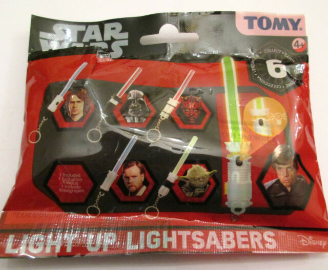 STAR WARS MINI LIGHT UP LIGHTSABER KEYCHAIN  - CHOOSE YOUR DESIGN - YODA LUKE