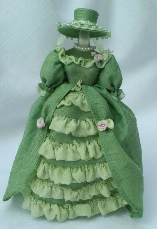 1:12 SCALE VICTORIAN ARTISAN  GREEN DRESS ON MANNEQUIN