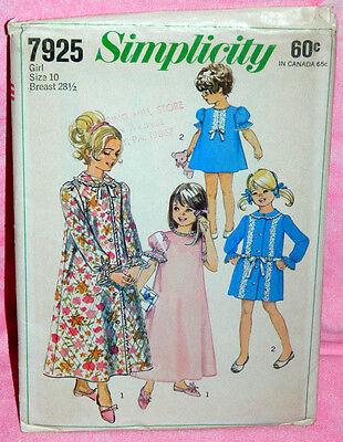 Uncut VTG Simplicity Girls Sz 10 Nightgown & Robe in 2 Lengths Pattern 7925