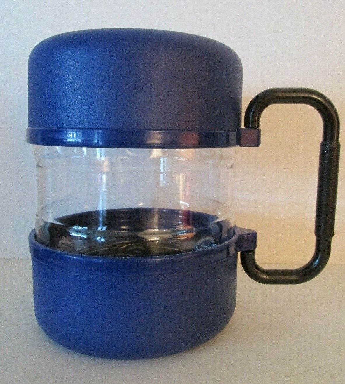 TRAVEL-tainer Blue  7 x 5.25 Travel Pet Food Storage and 2 Bowls