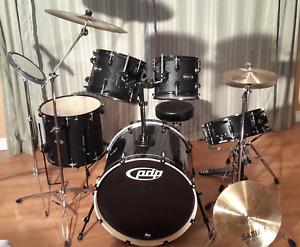 Drum Kit: PDP Mainstage 5-piece - Black