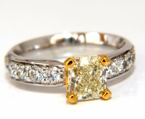 GIA Certified 2.20ct. Cushion cut diamond ring Platinum Yellow vvs-2 (U-V)