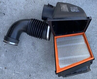 Air Filter Box With Intake Hose OEM 2012 Chevy Silverado 2500HD 6.6 Diesel